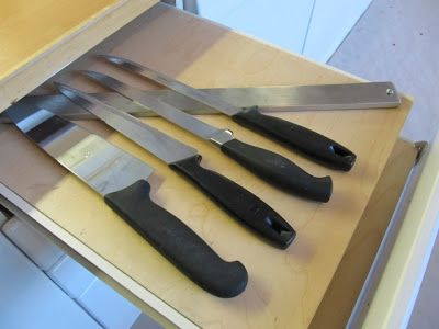 Keittiöremontti - leikkuulaudat siisteiksi.