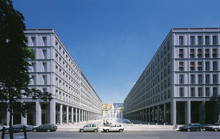 Walter-Benjamin-Platz, Leibnizkolonnaden | Hans Kolhoff ...