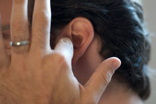 How to Treat Sinus Congestion in Ears (5 Steps) | eHow
