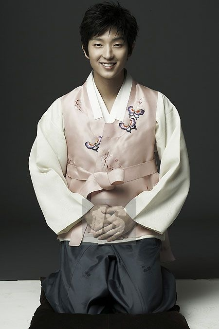 Men in Hanbok: Lee Jun Gi, Korean actor