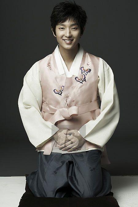 Men in Hanbok: Lee Jun Gi, Korean actor
