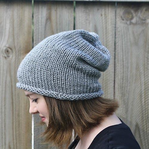 SHE MAKES HATS: Simple Slouch Hat  just knit stitch using a circular needle  Looks really easy