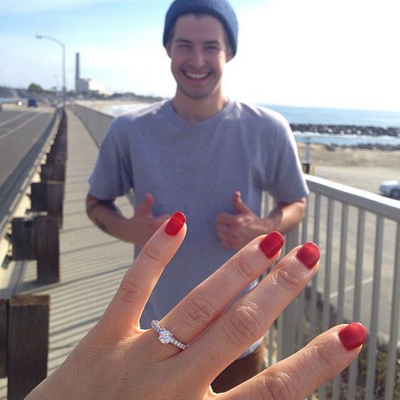 A twist on the classic ring selfie. Engagement announcement ideas #propose #engagement