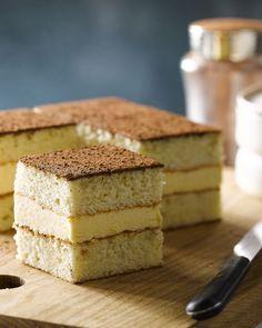 Misérable is een heerlijk gebak met lekkere vanille-boterroom tussen 2 laagjes biscuit. Een echte klassieker voor bij de bomma op de koffie.