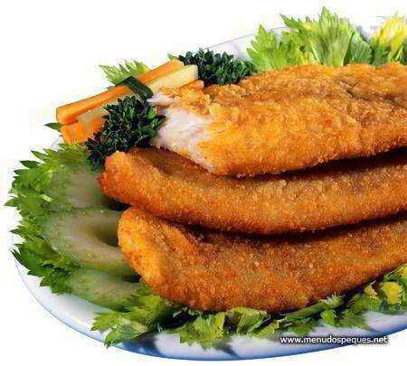 Receta típica de navidad de la Republica Checa - Filete de Merluza o carpa Rebozada con Ensalada de Patata.