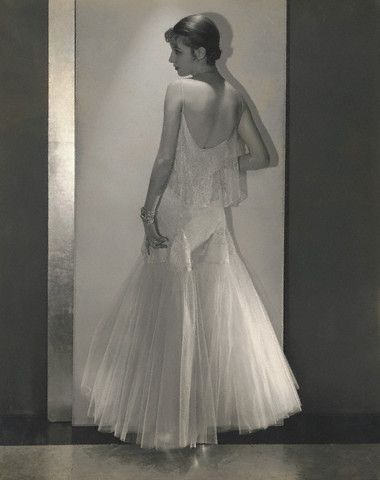 Marion Morehouse in Chanel, photo by Edward Steichen, 1930