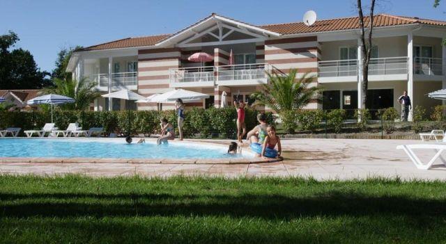 ESTIVEL - Résidence Le Domaine des Sables - #Apartments - $81 - #Hotels #France #Soulac-sur-Mer http://www.justigo.com/hotels/france/soulac-sur-mer/le-domaine-des-sables_58243.html