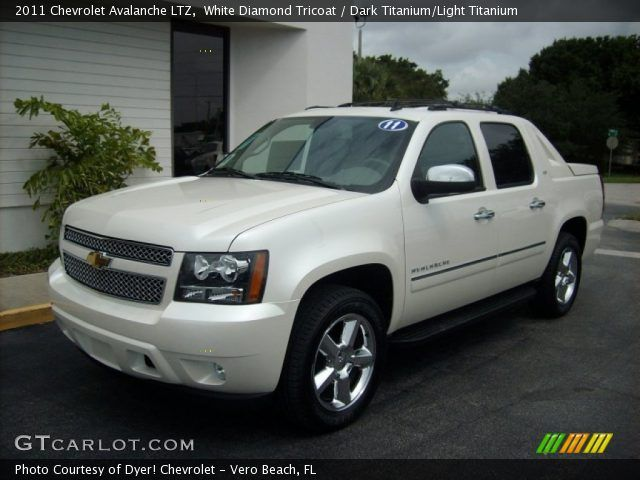 2011 chevy avalanche ltz | White Diamond Tricoat 2011 Chevrolet Avalanche LTZ with Dark Titanium ...