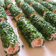 Fotografie receptu: Rolky z toustového chleba s lososem