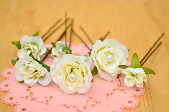 BRENDA LEE A set of 6 Cream Wedding Flower by BoutiquebyBrendaLee