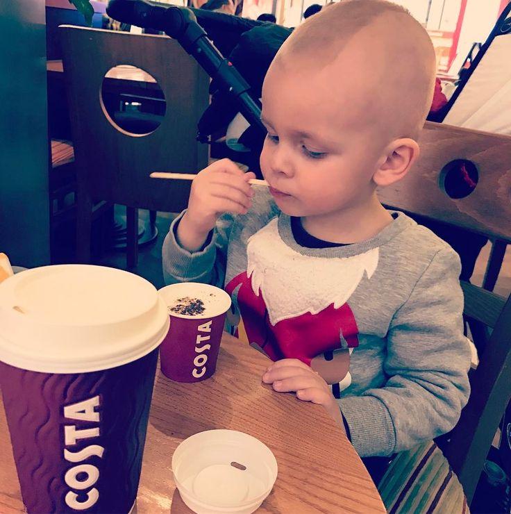 """""""#costacoffee #costacoffeecz #latte #babychino #boy #alex #po dlouhe dobe nejlepsi kava ve meste"""""""