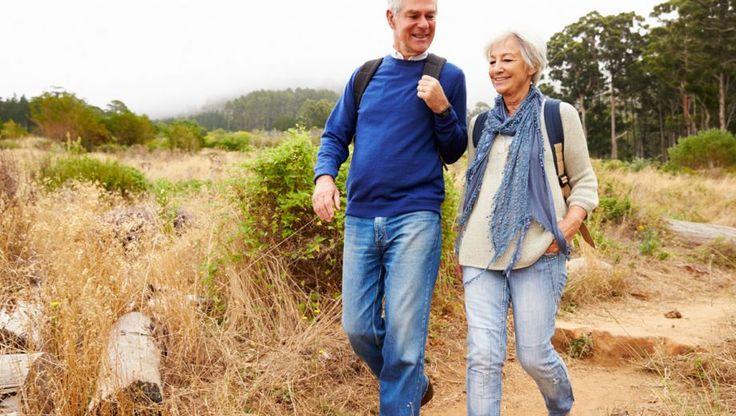 Voor een blokje om heb je weinig nodig. Een hele dag wandelen vereist wat meer voorbereiding, zoals nadenken over je uitrusting. Wat is onmisbaar bij lange wandelingen en wat is er nog meer handig om mee te nemen?