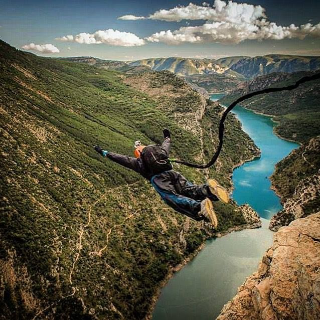 Extract of my report on #ropejump world record in #Spain for #redbull and #VSD #theredbulletin #extrem #basejumping #skydiving #photojournalism #pyrenaline http://ift.tt/1fSokzG