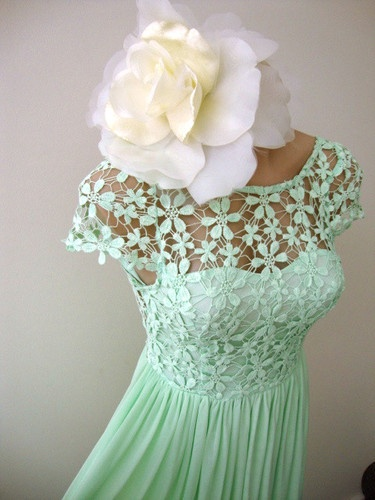 Or should I get this mint green dress as the evening dress? NWT SIZE 6 mint green CROCHET daisy LACE mini cap sleeve COCKTAIL DRESS VINTAGE