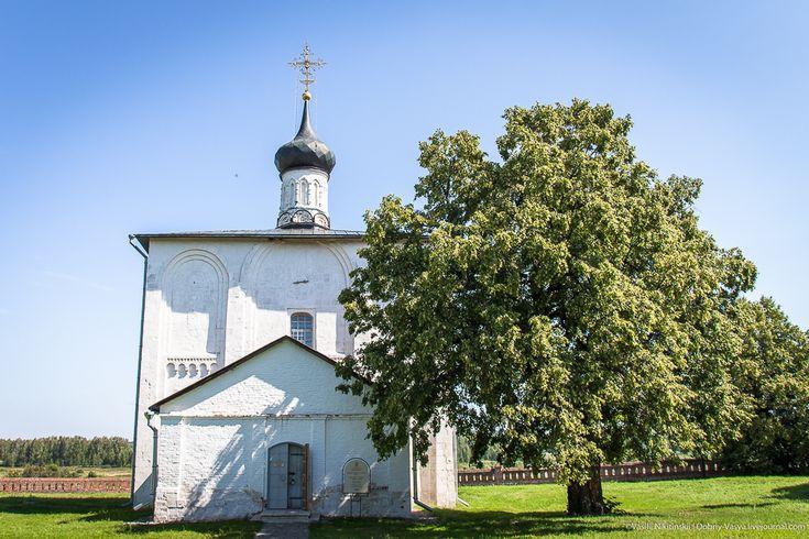 Кидекша: в церкви Бориса и Глеба
