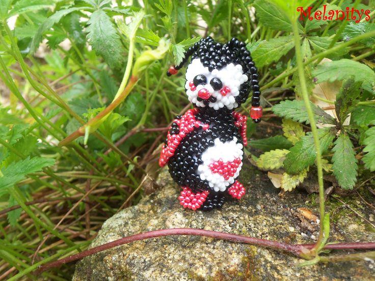Une jolie coccinelle en tissage danois du La bella 112.  #jenfiledesperlesetjassume #beading #coccinelle #ladybug