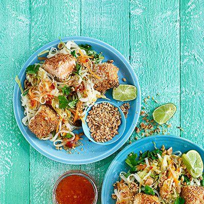 Asiatisk laxsallad med lime och jordnötter