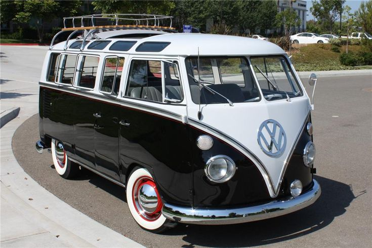 Award winning VW 21 window Samba Bus with cloth sunroof was owned by the same West Covina, California family for over 20-years. It was purchased from the est...