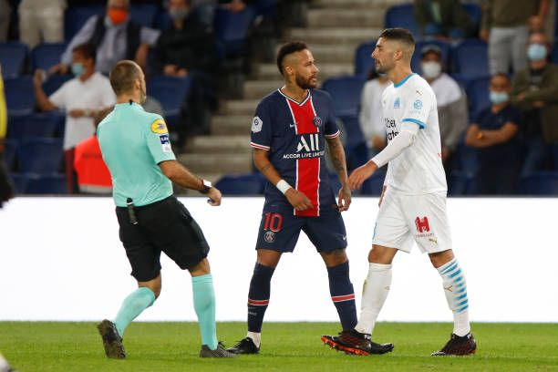 Psg Strongly Supports Neymars Claim To Being Racially Abused In 2020 Psg French League Supportive
