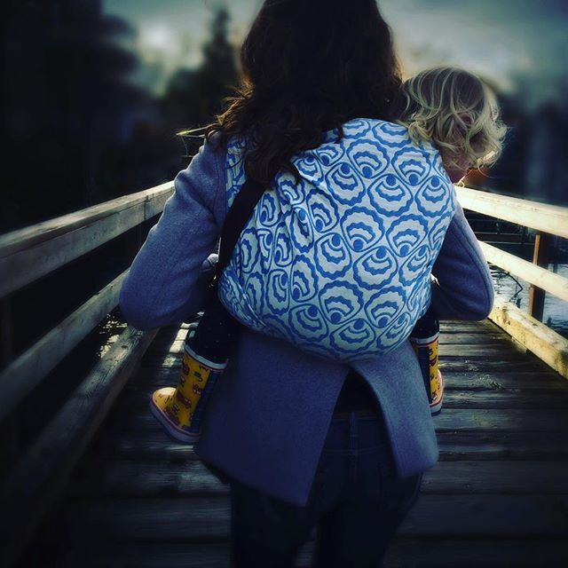 Me and my girl... #zeezen #woven #wovenwrap #pearlcove #babywearing #toddlerwearing #seashells #keepthemclose #carrythem #carryinstyle #wearthem