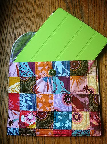 I love this idea. Not that I own an iPad. But it's pretty flexible for any cover.