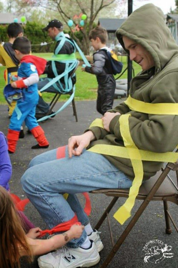 TrashN2Tees: Throwing a DIY Retro Superhero Party