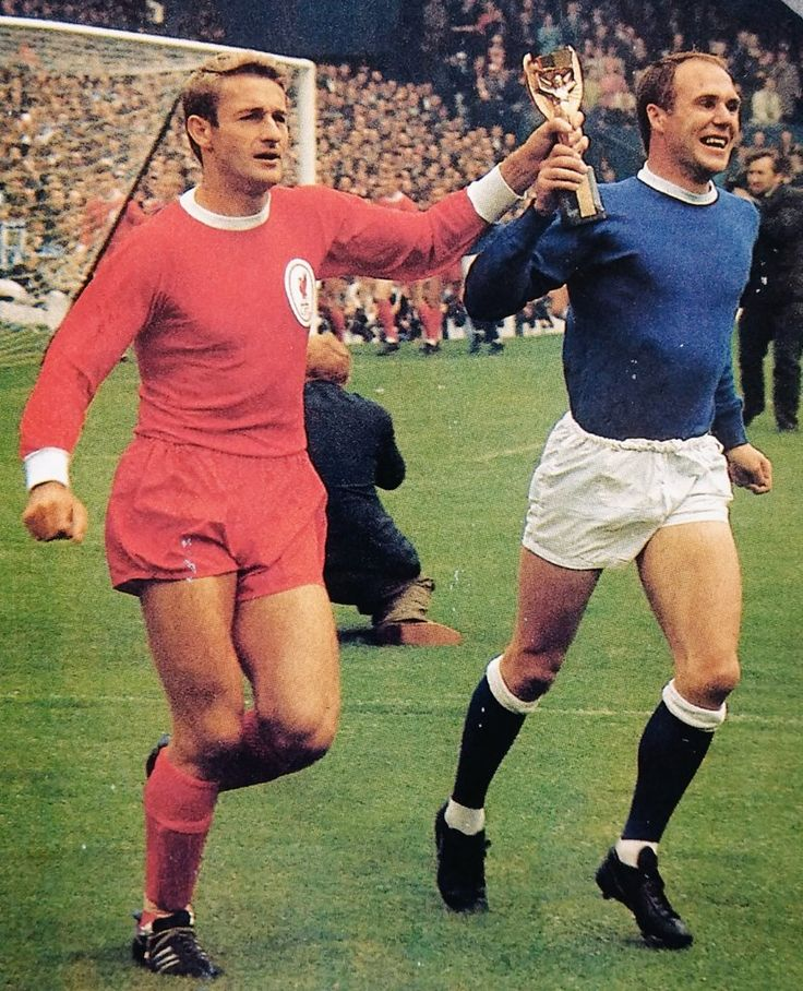 Everton 0 Liverpool 1 in Aug 1966 at Goodison Park. Ray Wilson and Roger Hunt with the World Cup before the Charity Shield.