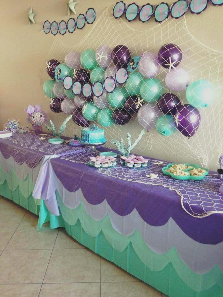 Love the netting but with blue balloons