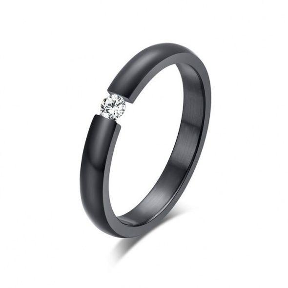 Black ring <3  Zawsze modna szafa - poznaj sekret!