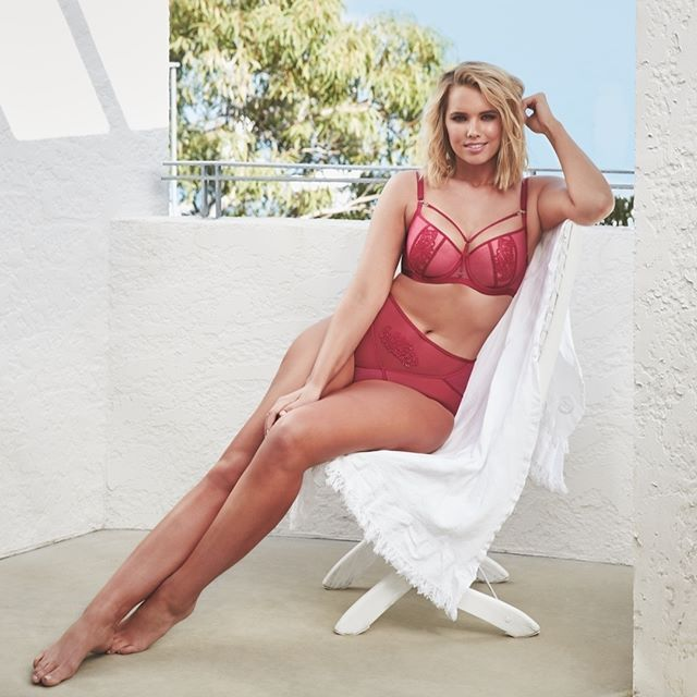 It's Spring... There's never been a better time to make a statement with a glimpse of bra strap, or a sneak peek of lace #loveintimo