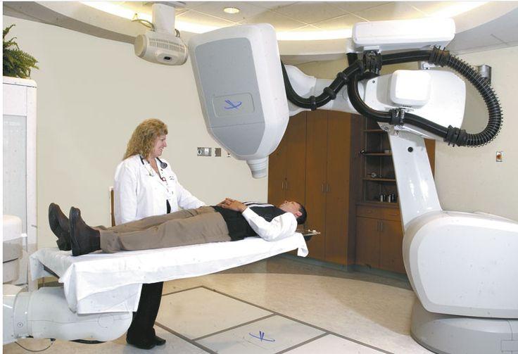 Cyberknife para Radio Cirugia Craneal, permite dar una dosis muy alta de radiación lugares  específicos, protegiendo a los demás órganos. Más información: http://www.centrodecancer.com/radioterapia
