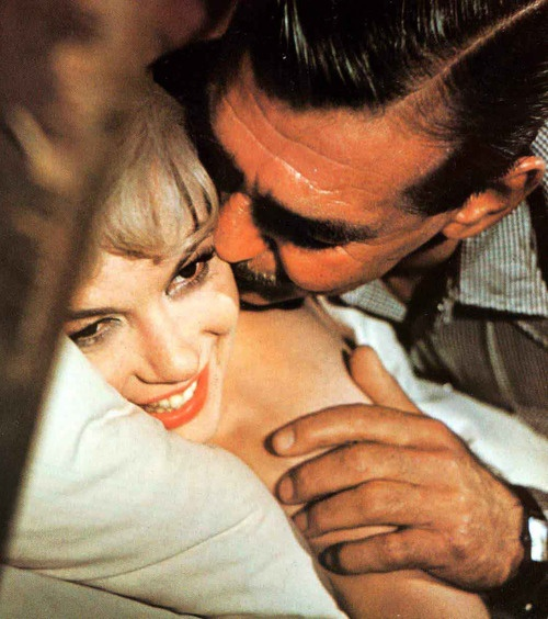 188 best images about marilyn clark gable on pinterest clark gable montgomery clift and. Black Bedroom Furniture Sets. Home Design Ideas