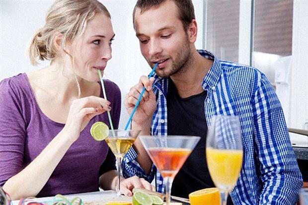 El jefe de barra del restó Leopoldo, Gabriel Esteban Chamiguian, te enseña a preparar diferentes drinks para encender el encuentro