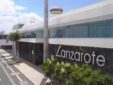 Google Image Result for http://bloglanzarote.files.wordpress.com/2010/06/lanzarote-airport3.jpg