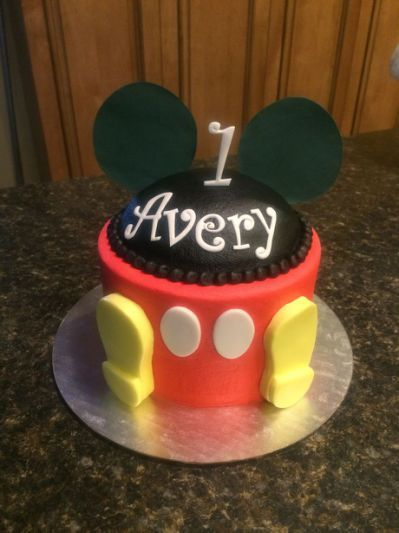 Mickey Mouse smash cake | My