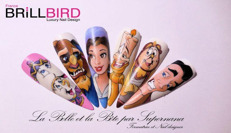 La Belle et la Bête de Walt Disney Madame Samovar (la théière), Zip (la tasse), La Bête, La Belle, Lumière (le chandelier), Bigben (l'horloge) et Gaston