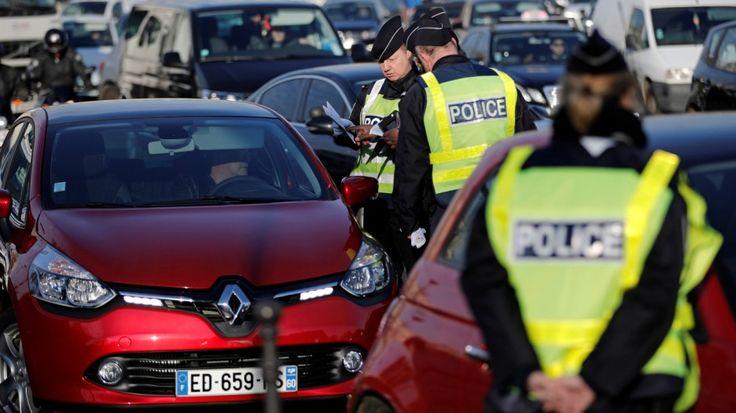 Jetzt lesen: In Paris herrscht Fahrverbot - und trotzdem Stau - http://ift.tt/2gbZefw #aktuell