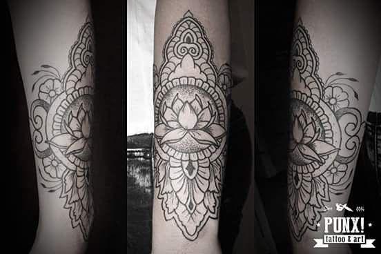 L2 Brazalete mehndi. Aprovecha la promo de 20% de descuento en diseños de geométricos,  mehndi y mandalas. Válida hasta el 31/8. #geometric #geometrictattoo #sacredgeometry #sacredgeometrytattoo #mandala #mandalatattoo #inkedwoman #womentattoos #inkedgirl #tattoo #tattoos #tatuajes #tatuaje geometric,inkedwoman,inkedgirl,womentattoos,tattoo,geometrictattoo,mandala,mandalatattoo,tatuajes,tatuaje,tattoos,sacredgeometry,sacredgeometrytattoo