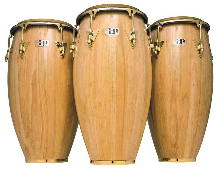 La conga, tambó1 o tumbadora, es un instrumento membranófono de percusión de raíces africanas, que fue desarrollado en Cuba. Además de su importancia dentro de la percusión en la música afrocubana, la conga se convirtió en un instrumento fundamental en la interpretación de otros ritmos «latinos» como la salsa y el merengue.