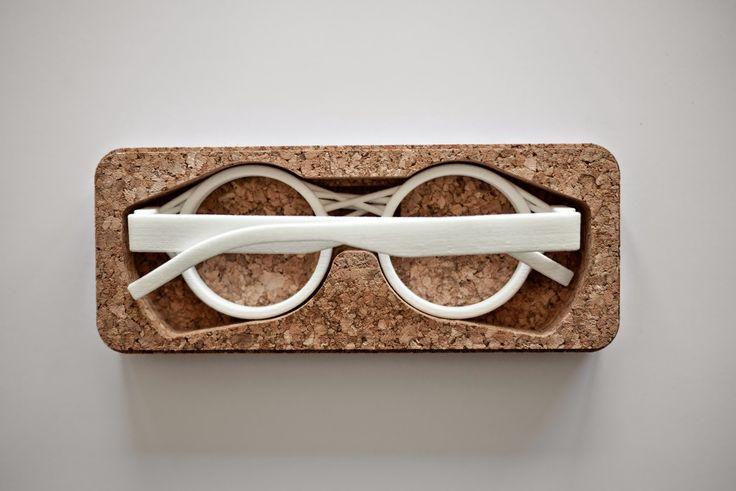 Oak&Dust eyewear custom made cork nosepad attached to a nylon 3D printed frame. Cork Oak & Nylon Dust Eyespectacle sunglasses eyewear blog