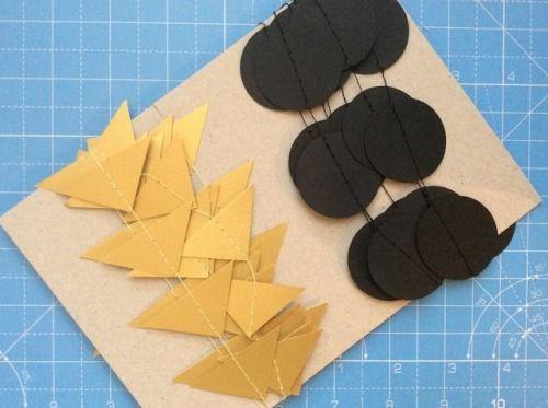 🌗 #custom #garlands #paper #gold #black #backdrop #creatives #wedding #decorations