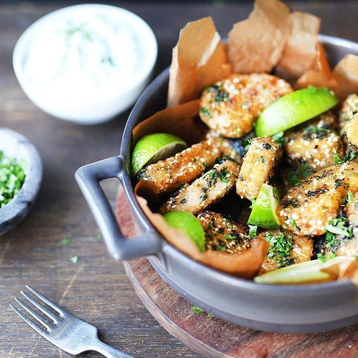 Prova örtnuggets med lime och dip till middag! recept på vår facebook 👌🏼😍 #vego #fredagsmys #recept #hälsanskök Hälsans Kök (@halsanskok) Nuggets örter dippa sås