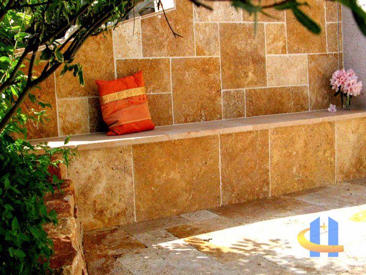 Travertin Fliesen und Travertin Terrassen -platten komplette Neugestaltung einer kleinen Terrasse