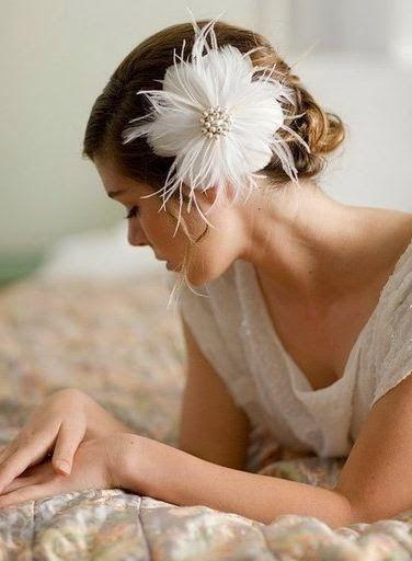 Flores con plumas para el pelo DIY ~ Solountip.com