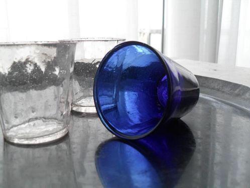 SALE Antiek Frans blauw waxine glaasje, kerkglaasje *lavande