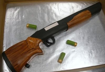 shotgun cake wish I could get this for Mackenzi's Birthday!