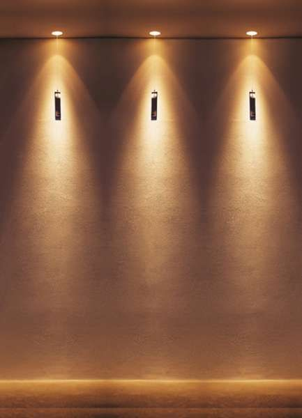 clv1 | Viabizzuno cuerpo de iluminación empotrable para interiores IP20 de aluminio oxidado. sólo se puede montar con encofrado, montándolo durante la construcción del falso techo de cartón-yeso, que ha de ser estucado y pintado àntes de la instalación del faro. aloja una lámpara halógena Ba15d de máximo 50W 12V con reflector de aluminio, o un led 3000K 12W 350mA 1200lm.. bajo pedido estándisponibles dos accesorios: cristal, constituido por hilo de latón trabajado a mano, cristal de bohemia
