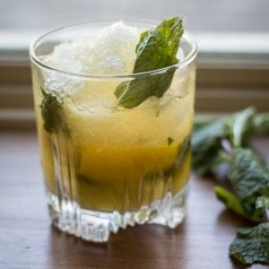 How to Make a Whiskey Smash - The Wanderlust Kitchen