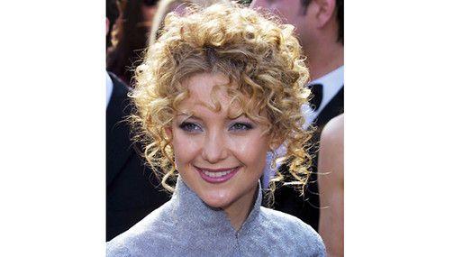 20 kändisfrisyrer vi aldrig vill se igen: Kate Hudson  http://nyheter24.se/modette/skonhet/776190-20-kandisfrisyrer-vi-aldrig-vill-se-igen  Horrible celeb hair