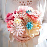 Un bouquet de fausses fleurs pour un mariage - Marie Claire Idées